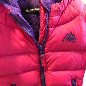 Jackets & Blazers - Little girls puffer coat. It's light. 3 years